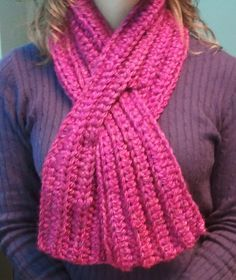 Super easy, Super quick, and less than 200 yards - free crochet pattern for Keyhole Scarf ❥Teresa Restegui http://www.pinterest.com/teretegui/❥