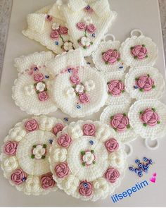 Image may contain: food - Woman Hair Style Rakhi Greetings, Loom Flowers, Flower Granny Square, Bobble Stitch, Decorate Notebook, Crochet Designs, Crochet Doilies, Crochet Hooks, Knitting