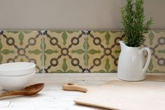 Reclaimed or antique tiles used as a kitchen splashback -Maitland Tiles Uk, Cement Tiles, Spanish Tile Kitchen, Lime Paint, Splashback Tiles, Unique Tile, Glazed Tiles, Encaustic Tile, Vintage Tile