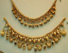 Gold necklace by Kotomicreations, via Flickr