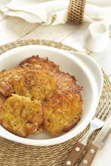 Potato Latkes #IBSrecipes the whole family will love! It's important to make #healthychoices and know your trigger foods. #VSL3recipes