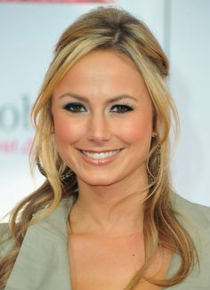 Stacy Keibler Casual Long Hairstyle with Loose Curls | Hairstyles Weekly