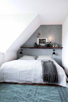 Cozy Attic Loft Bedroom Design & Decor Ideas - Page 28 of 37 Attic Loft, Loft Room, Attic Rooms, Bedroom Loft, Home Bedroom, Bed Room, Bedroom Rustic, Bedroom Ideas, Attic Bedroom Small