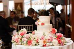American Yacht Club in Rye, New York Wedding Photo by Jessica Haley || Wedding Cake