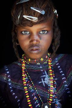 """Hay un dicho que dice: """"Los niños deberían gobernar el mundo"""" y creo tiene mucho de cierto. Basta ver estas miradas inocentes y sinceras, llenas de amor y felicidad para poderlo comprobar. 1. India. 2. Etiopía. 3. Holanda. 4. Rumania. 5. Niger. 6. Vietnam. 7. Korea del Sur. 8. China. 9. Melanesia. 10. Honduras. 11. …"""