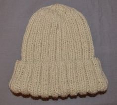 Crochet patterns beanie men yarns Ideas for 2019 Bonnet Crochet, Crochet Skirt Pattern, Crochet Dolls Free Patterns, Chunky Knitting Patterns, Lace Knitting, Fingerless Gloves Crochet Pattern, Crochet Slippers, Knitted Hats, Crochet Hats