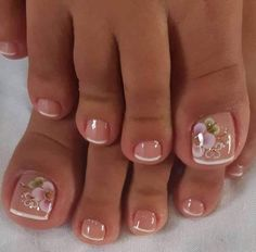 Ongles pour mariage Come visit us Often, we post fresh and surprising Nail designs every single day. Pretty Toe Nails, Cute Toe Nails, Pretty Toes, Toe Nail Art, Cute Toes, Gel Toe Nails, Nagellack Design, Nagellack Trends, Feet Nail Design
