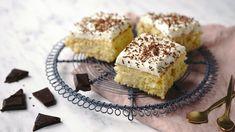 Jednoduché buchty na plech jsou unás moc oblíbené. Jsou většinou raz dva hotové akodpolední kávě nebo ksnídani jako když najdete. Vyzkoušejte dnešní řezy soblíbenou kombinací ananasu akokosu. Krispie Treats, Rice Krispies, Sweet Cakes, Cheesecake, Baking, Pineapple, Cheesecakes, Bakken, Rice Krispie Treats