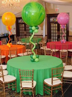 Marble Balloon CenterpieceSuper Agate Marble Balloons with Balloon Bases