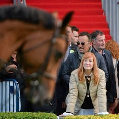 Horseshow - Bruce Springsteen and Patti Scialfa is in Ireland to watch their 22-year-old daughter Jessica compete at the Royal Dublin Society Horse Show. She is competing with team USA. The Boss is no stranger to the venue having played at the RDS eleven times... (08.08.14)