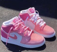 Cute Nike Shoes, Cute Sneakers, Nike Air Shoes, Shoes Sneakers, Jordans Sneakers, Pink Nike Shoes, Air Force Sneakers, Pink Jordans, Jordan Shoes Girls