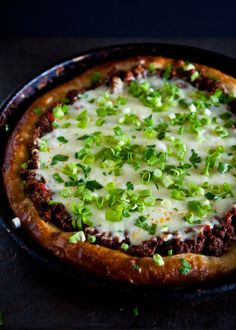 Deep Dish Sloppy Joe Pizza | EclecticRecipes.com