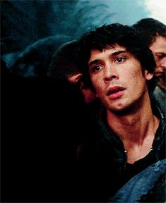 Bob Morely, Bellamy The 100, Short Curly Hairstyles For Women, The 100 Characters, Dying Of The Light, Architecture People, Cartoon Profile Pictures, Wattpad, Bellarke