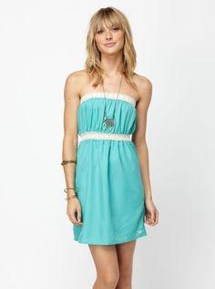 Pink Flip Flops, Summer Wear, Style Summer, Summer Time, Black Bodycon Dress, Junior Dresses, Her Hair, Passion For Fashion, Strapless Dress