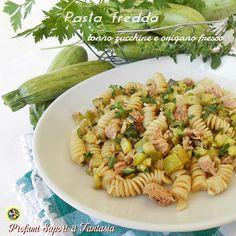 La pasta fredda tonno zucchine e origano fresco è una ricetta estiva strepitosa. Ingredienti profumati come le erbe aromatiche esaltano i sapori.