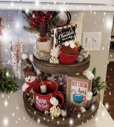 The Christmas countdown is just launched! Bring the magic of Christmas to your home! Because it is not always easy to imagine a Christmas decoration and holiday table consistent and really like you, deco. Christmas Coffee, Noel Christmas, Christmas Balls, Christmas Wreaths, Xmas, Farmhouse Christmas Decor, Christmas Kitchen, Christmas Bedroom, Indoor Christmas Decorations