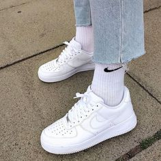 Uploaded by 𝕴𝖘𝖆𝖇𝖊𝖑. Find images and videos about outfit, jeans and nike air force 1 white on We Heart It - the app to get lost in what you love. Dr Shoes, Sock Shoes, Cute Shoes, Me Too Shoes, Shoes Men, Converse Shoes, Converse High, Platform Converse, Fashion Star