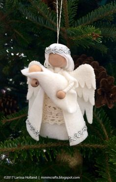 mmmcrafts: handmade Christmas gifts 2016 - angel ornaments for Lesley and PaulaI made a similar angel ornament last year for my sweet niece, Erin, who had lost a baby boy. This year Erin helped me make this one for her sister-in-law after they suffered a Christmas Gifts 2016, Christmas Angel Ornaments, Handmade Christmas Gifts, Felt Ornaments, Holiday Crafts, Christmas Crafts, Christmas Decorations, July Crafts, Birthday Decorations