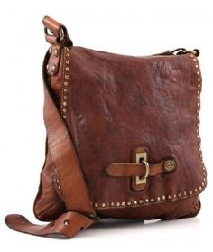 I have found the most perfect bags! Campomaggi Lavata Shoulder Bag C1226VL