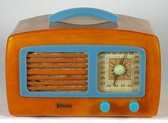 Refinished vintage Bakelite Sonora KM radio -- butterscotch with blue trim -- yummy!