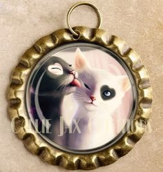 Cats in love Bronze Bottle Cap Pendant with Artwork. Great for purse charms, day planner charms, keychain charms and zipper pulls.