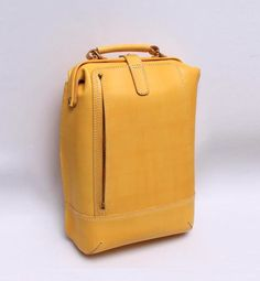 Backpack Bags, Leather Backpack, My Bags, Purses And Bags, Yellow Backpack, Bagdad, Leather Handbags, Tote Handbags, Back Bag