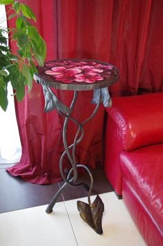 Marvelous coffee table designed by Julia Ternovskaya. Coffee Table Design, Table Flowers, Art Furniture, Cocktail Tables, House Design, Interior Design, Gallery, Home Decor, Design Interiors