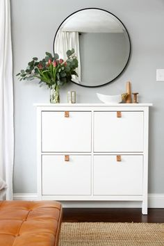 One of the best things about IKEA pieces is the myriad ways you can tweak, hack, tinker with, and customize them to create beautiful, unique pieces on a reasonable budget. Take a look at these 7 super simple IKEA hacks. Apartment Entryway, Apartment Living, Apartment Therapy, Living Room, Ikea Small Apartment, Ikea Small Bedroom, Apartment Bedrooms, Trendy Bedroom, Home Interior