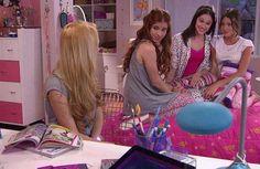 Ludmila , Camila , Francesca y Violetta