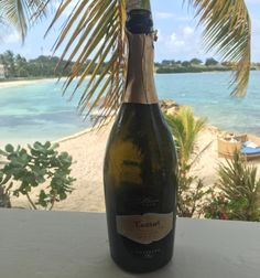 #MondayMotivation  #Fantinel #OneAndOnly #Prosecco #Antigua #Caribbean #BeachLife #LifeStyle #ChillOut #Bubbles #WineOClock #Seaside #Sun 😎