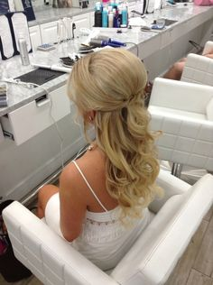 wedding hair half up Coiffure de mariage Ides et inspirations 51 Wedding Hairstyles For Long Hair, Bride Hairstyles, Down Hairstyles, Hairstyle Ideas, Pretty Hairstyles, Easy Hairstyles, Straight Wedding Hair, Half Up Wedding Hair, Half Up Half Down Wedding Hair