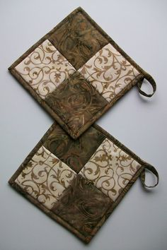 pot holder/trivets to protect counter from hot pans