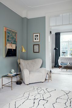 An spacious apartment filled with Danish design classics Danish Living Room, Living Room Modern, Apartment Painting, Spacious Living Room, Danish Design, Danish Interior Design, Blue Walls, Interior Inspiration, Interiores Design