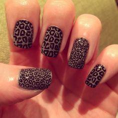 Leopard print nails - Moyou pro plate 03, BarryM chai