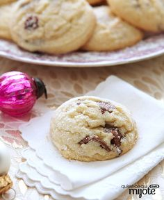You've got yourself a cookie recipe for a Christmas classic - perfect for cookie exchanges and festive gift-giving. Cranberry Shortbread Cookies, Shortbread Recipes, Cookie Desserts, Cookie Recipes, Dessert Recipes, Kraft Recipes, Holiday Baking, Christmas Baking, Christmas Sweets