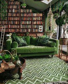 Home Decor Instagram, Casa Milano, Style Deco, Interior Decorating, Interior Design, Green Rooms, Living Room Decor Green, Living Room Vintage, Dark Green Living Room