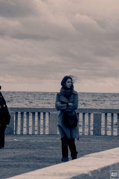 #PHOTOGRAPHERS #ORIGINALPHOTOGRAPHERS #PHOTOGRAPHY #WIND #GIRL #STREETPHOTOGRAPHY #SEA #ITALY #EMANUELEMESCHINI #SKY
