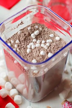 Quick, easy and delicious, this is the best homemade hot cocoa mix you'll ever try! Come see what secret ingredient makes it taste so amazing! * really the BEST Homemade Hot Chocolate, Hot Chocolate Bars, Hot Chocolate Recipes, Chocolate Diy, Homemade Hot Cocoa Recipe, Homemade Dry Mixes, Homemade Food, Diy Food, Hot Cocoa Mason Jar Recipe