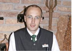 Michael Kohlmayer. Sommelier. Michael ist unser Weinkenner. Neben dem Weineinkauf macht er auch Wein-Degustationen und berät Sie gerne rund um das Thema Wein.