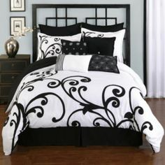 Pin by Supragirl on Black, Red, Grey, White Decor | Pinterest : black and white queen quilt - Adamdwight.com