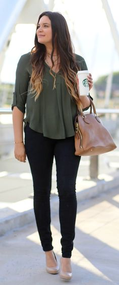 Cute and comfortable work appropriate outfit to copy right now! @naturalizer…