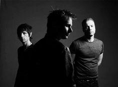 Muse ya tiene primer sencillo para el que será su 7º álbum. No te pierdas el estreno de Psycho y disfruta de una de las mejores bandas de rock británico del momento. https://musicaes.wordpress.com/2015/03/18/drones-nuevo-album-de-muse/