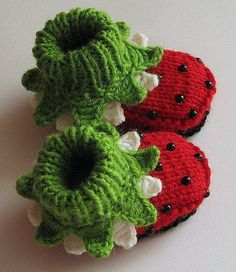 """Knitting Patterns Girl Knitted Baby girl booties """"Ladybugs"""", baby girl shoes, knitting, kids clothing / size on Etsy, . Knitting For Kids, Knitting Projects, Baby Knitting, Crochet Projects, Knitting Patterns, Crochet Patterns, Doll Patterns, Crochet Baby Shoes, Crochet Baby Booties"""