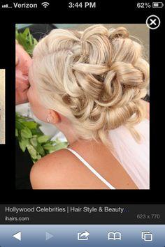 Wedding hair . AH so pretty !