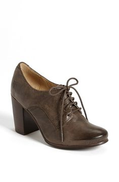 Free shipping and returns on Frye 'Carson Oxford' Pump at Nordstrom.com. A chunky, stacked heel takes a handcrafted oxford pump to new heights. Bench-crafted by hand, Frye's 150-year-old heritage of quality leatherwork is evident in every style.