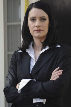 paget brewster - CRIMINAL MINDS!!! I MISS HER ON THERE!!! EMILY PRENTISS ALLTHE WAY!