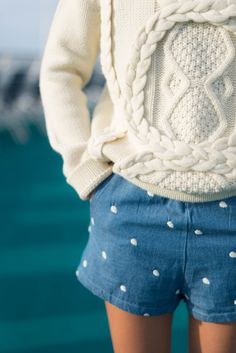 Cableknit and chambray. Autumn Winter Fashion, Spring Fashion, Fashion Wear, Sandro, Prep Style, My Style, Mode Bcbg, Look Short, Dressed To The Nines