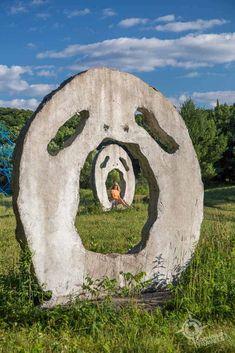 Screaming Heads (near Burk's Falls, Ontario) - Grownup Travels Ontario Parks, Ontario Travel, One Day Trip, Weekend Trips, Day Trips, Outdoor Sculpture, Outdoor Art, Alberta Canada, Travel