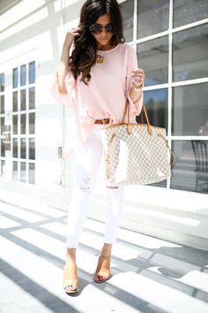 30 Chic Summer Outfit Ideas - Street Style Look. The Best of summer outfits in - Amazing Dresses & Outfits Chic Summer Outfits, Spring Summer Fashion, Autumn Winter Fashion, Cute Outfits, Casual Outfits, Louis Vuitton Neverfull Gm, Louis Vuitton Handbags, Look Fashion, Womens Fashion