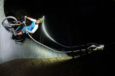 Why mountain biking at night is pure magic || Image Source: http://image2.redbull.com/rbcom/010/2015-10-07/1331752254098_2/0010/1/800/533/2/lighting-up-the-trails.jpg